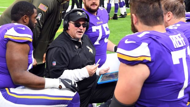 Vikings Offensive Line Coach Tony Sparano Dies at 56 - IMAGE
