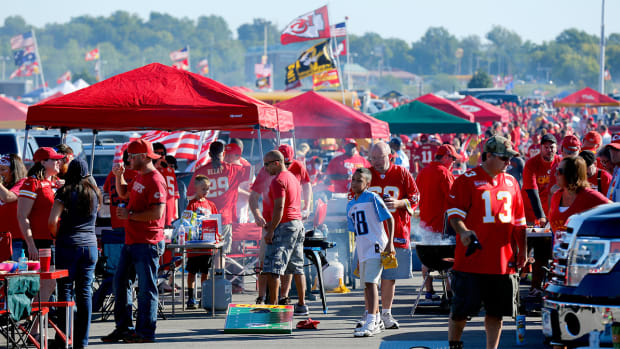 chiefs-tailgating-rules-policy-change-tickets-fans.jpg