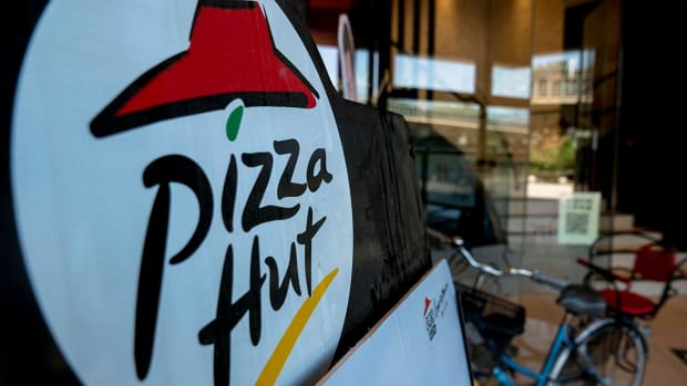 Report: Pizza Hut Replacing Papa John's as NFL Sponsor - IMAGE