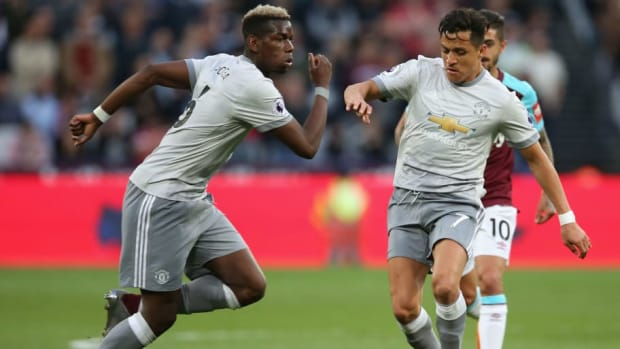 west-ham-united-v-manchester-united-premier-league-5af6b7137134f6c415000004.jpg
