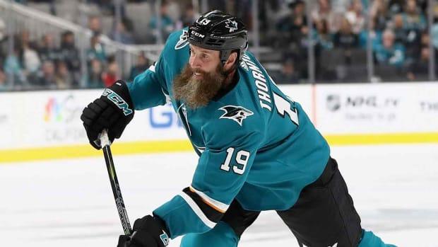 joe-thornton-beard-shave-sharks-1300.jpg