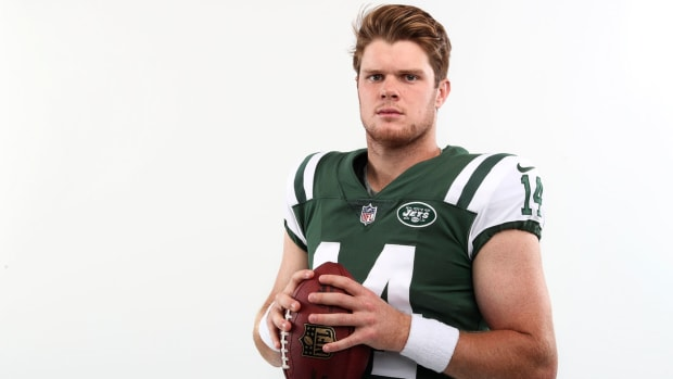 sam-darnold-expected-to-sign-with-jets.jpg
