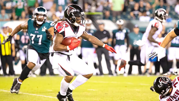 devonta-freeman-week-5-buy-sell-hold.jpg