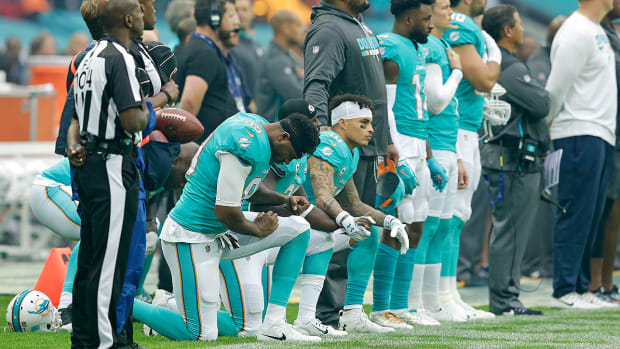 miami-dolphins-national-anthem-policy.jpg