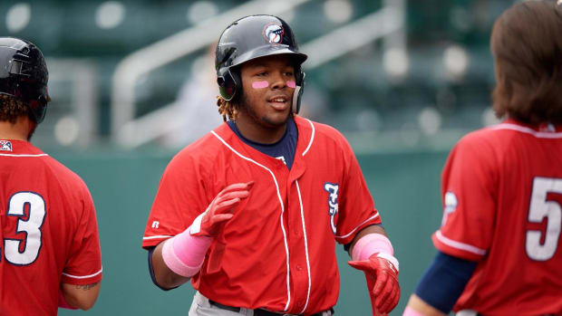 Vladimir Guerrero Jr. Out At Least Four Weeks With Left Knee Injury--IMAGE