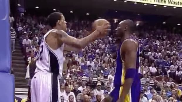 kobe-bryant-no-flinch-gif-ruined.jpg