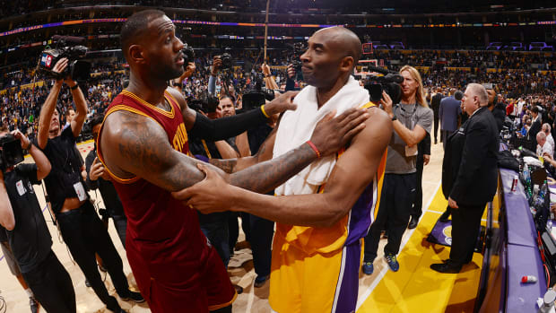 lebron-james-kobe-bryant-playing.jpg