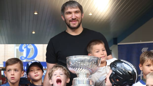 ovechkin-stanley-cup-russia-world-cup.jpg