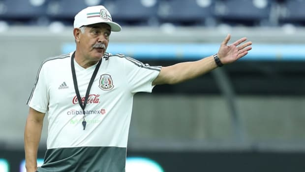 mexico-press-conference-and-training-session-5b93f468f7f011568e000001.jpg