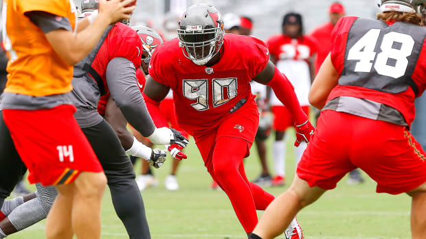 jason-pierre-paul-buccaneers-training-camp.jpg