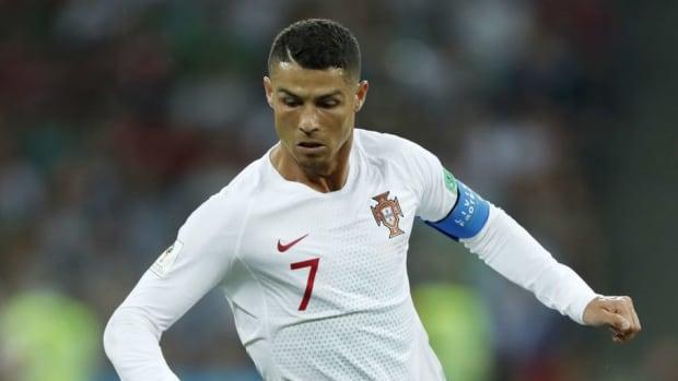 fifa-world-cup-2018-russia-uruguay-v-portugal-5b431728347a02fd93000005.jpg