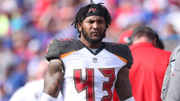 Buccaneers' T.J. Ward Arrested On Charges of Possession of Marijuana and Drug Paraphernalia - IMAGE