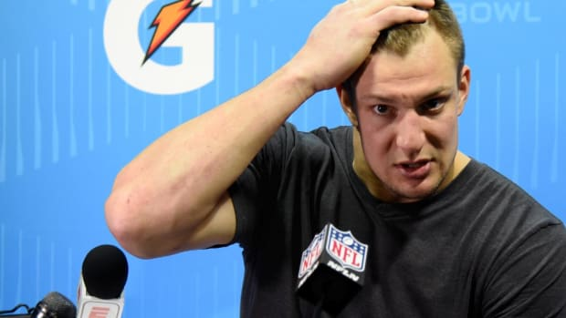 Reports: Police Investigating Possible Burglary at Rob Gronkowski's Home - IMAGE