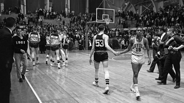 loyola-chicago-mississippi-state-basketball.jpg