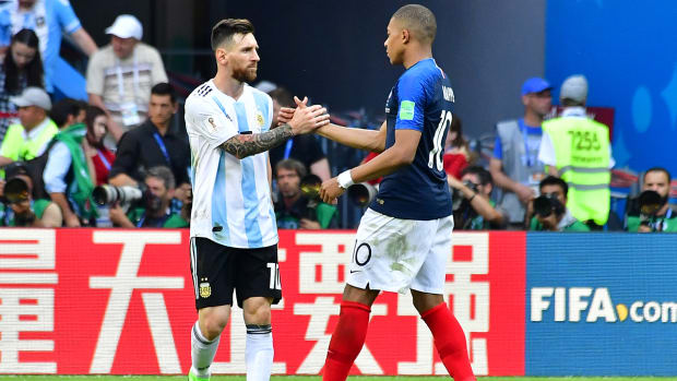 mbappe_daps_up_messi_after_knocking_out_argentina.jpg