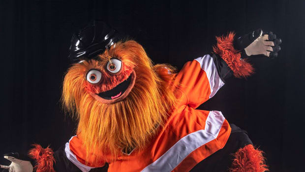 flyers-mascot-gritty-photos.jpg