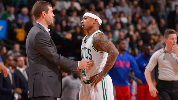 isaiah-thomas-calls-brad-stevens-by-far-best-coach-in-nba.jpg