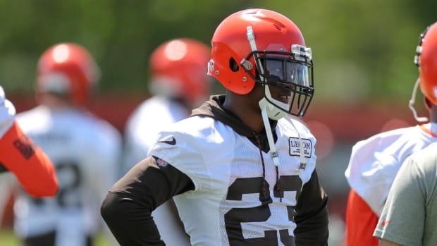 Browns CB Damarious Randall Makes Very Expensive Bet Against Cavs--IMAGE