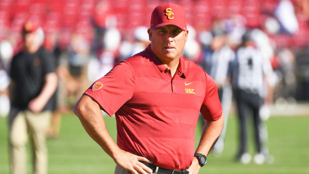 clay-helton-usc-coaching.jpg