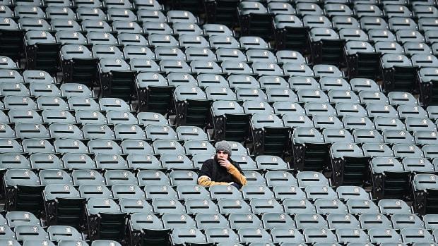 white-sox-attendance-sad.jpg
