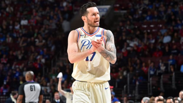 Sixers Win 50th Game of Season, 14th In a Row--IMAGE