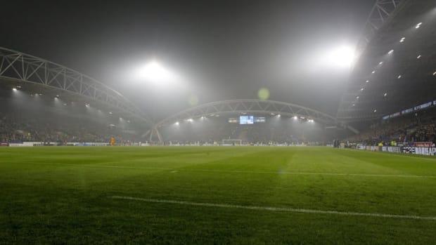 huddersfield-town-v-fulham-fc-premier-league-5be306b2e031a7e36f000001.jpg
