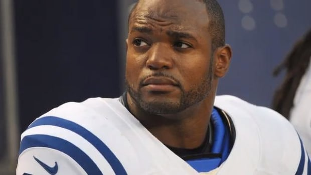 Dwight Freeney To Retire As a Colt After 16 Seasons In The NFL--IMAGE