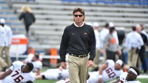 mike-gundy-check-radio-host-lost-bet.jpg
