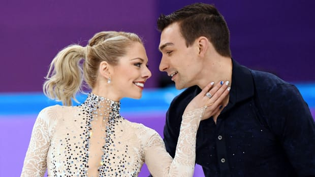 8-olympic-ice-skating-pairs-who-are-couples-real-life-0.jpg