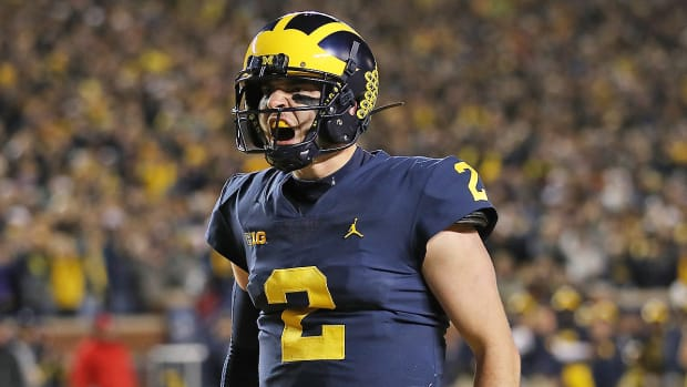 michigan-beats-wisconsin-shea-patterson.jpg
