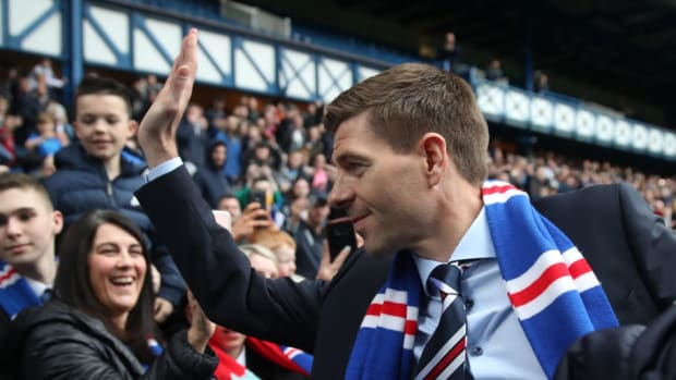 steven-gerrard-is-unveiled-as-the-new-manager-at-rangers-5b17ef54347a02bf21000002.jpg