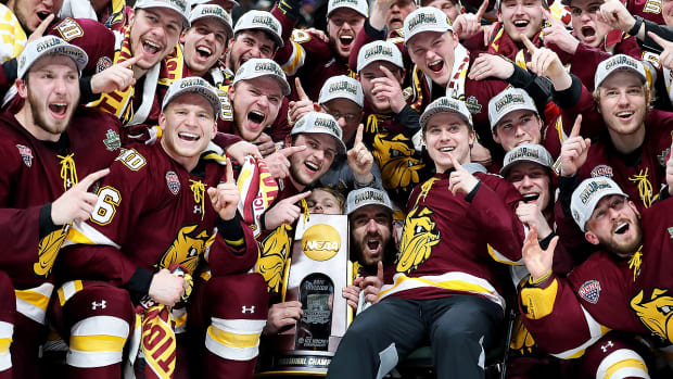 minnesota-duluth-wins-ncaa-hockey-title-2018.jpg