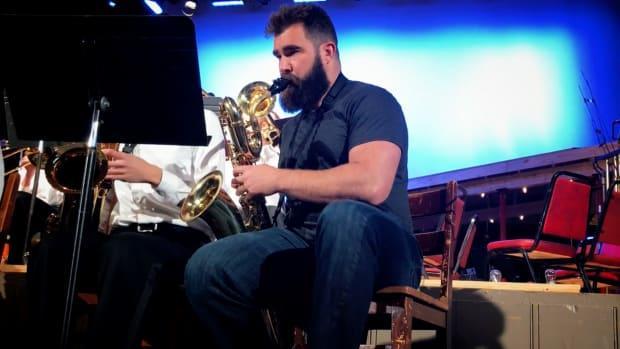 eagles-jason-kelce-philadelphia-high-school-band-saxophone-video-1.png