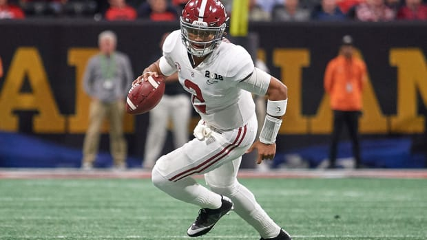 jalen-hurts-alabama-nick-saban.jpg