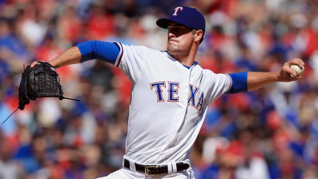 Report: Rangers Trade Cole Hamels to Cubs for Minor Leaguers - IMAGE