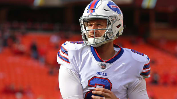 Nathan Peterman Reportedly Signs With Raiders, Draws Strong Reaction on Twitter .jpg