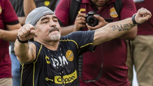 fbl-mex-dorados-training-maradona-5b996173eb172414a2000001.jpg
