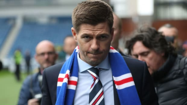 steven-gerrard-is-unveiled-as-the-new-manager-at-rangers-5b114e117134f63b7a000002.jpg