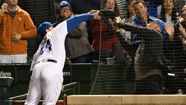 thursday-hot-clicks-anthony-rizzo-cubs-pirates-fan-interference-video.jpg