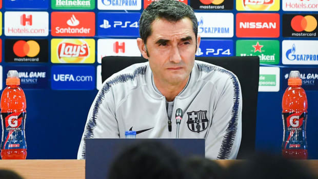 fc-barcelona-training-session-and-press-conference-5bcf394ec30e3c7111000001.jpg