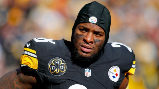leveon-bell-steelers-listening-trade-offers.jpg