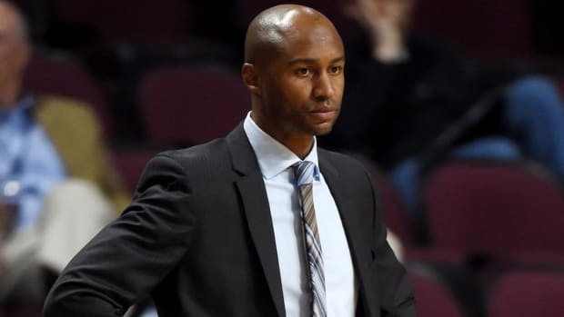 Report: San Diego Coach Lamont Smith Arrested on Domestic Violence Charges - IMAGE