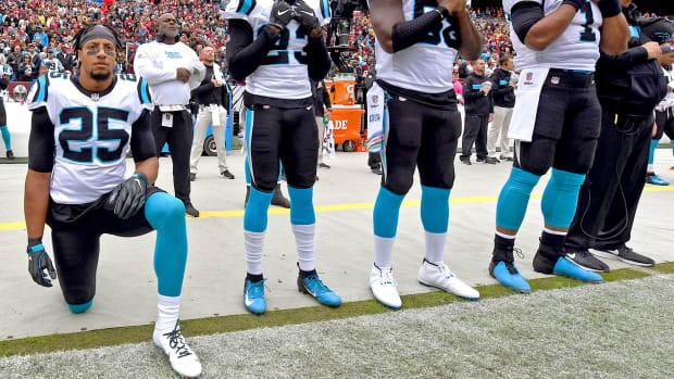 players-protesting-week-seven.jpg