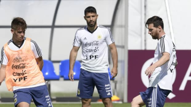 fbl-wc-2018-arg-training-5b3234c53467ac7c90000001.jpg