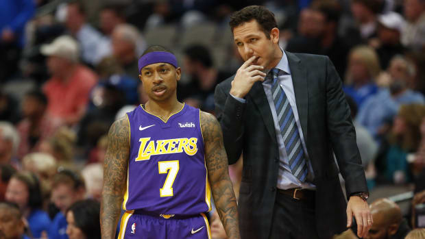 isaiah-thomas-lakers-bench.jpg