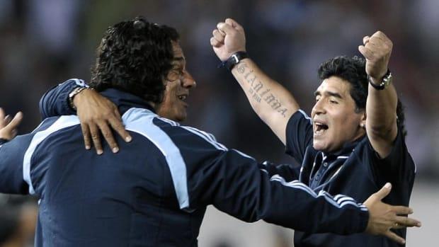 argentina-s-football-team-coach-diego-ma-5b8fcc28665c7f5ba4000001.jpg