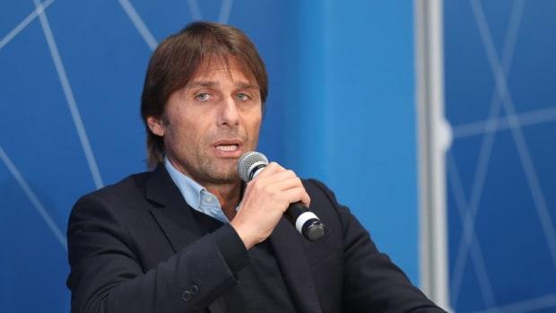 italian-football-federation-panchina-d-oro-prize-5bea8056d4367f3594000001.jpg