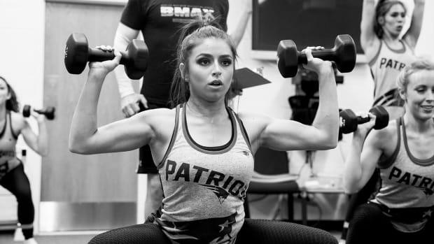 patriots-cheerleaders-workout-lead.jpg