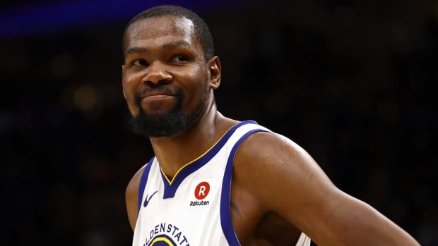 Kevin Durant's Playoff Career-High 43 Points Leads Warriors to Game 3 Win, 3-0 Series Lead - IMAGE
