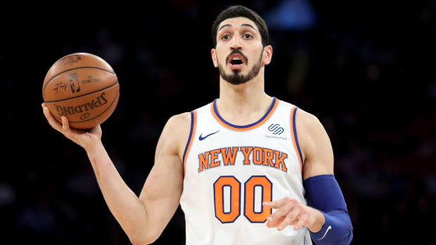 knicks-enes-kanter-learn-english-spongebob-jersey-shore.jpg